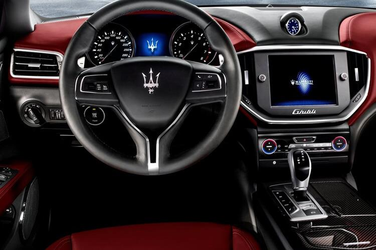 Maserati Ghibli Saloon 2.0 MHEV 330PS GranSport 4Dr ZF [Start Stop] [Nerissimo Carbon] inside view